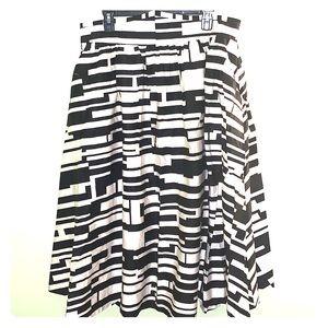 Black & White Skirt with Pockets